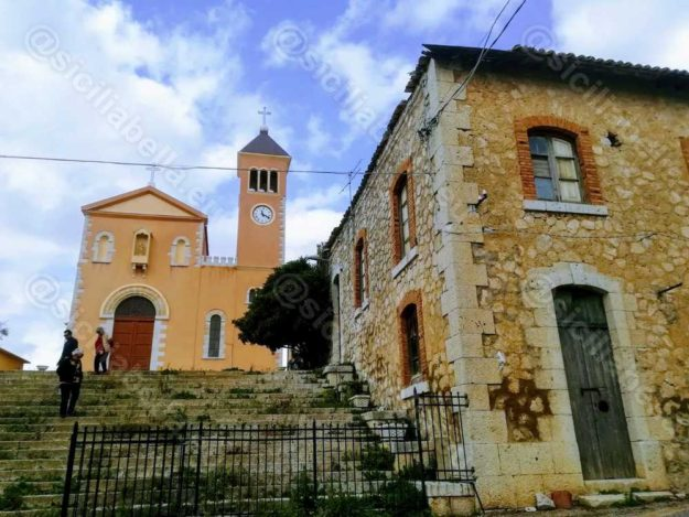 Chiesa Borgo Santa Rita - Scalinata